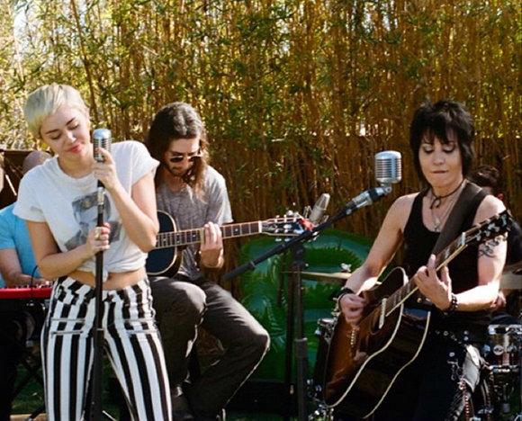 Backyard Sessions Miley Cyrus Joan Jett Daedalusdrones Com